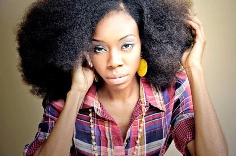 Natural hair model Mahogany Boisseau