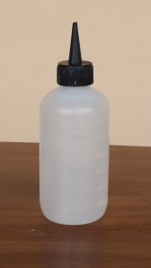 Applicator bottles can be used to access the scalp directly.